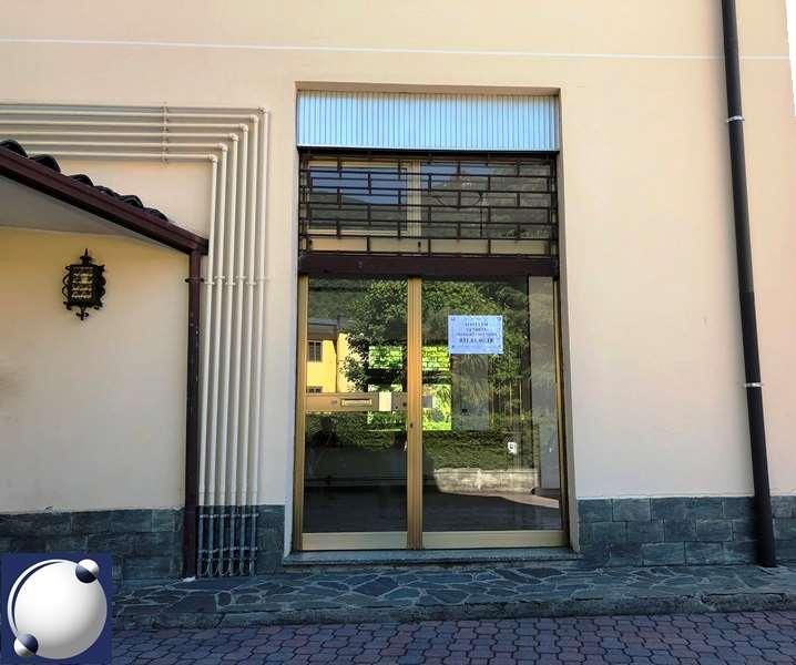 Negozio / Locale in affitto a Ponte Lambro, 1 locali, prezzo € 4.800 | PortaleAgenzieImmobiliari.it