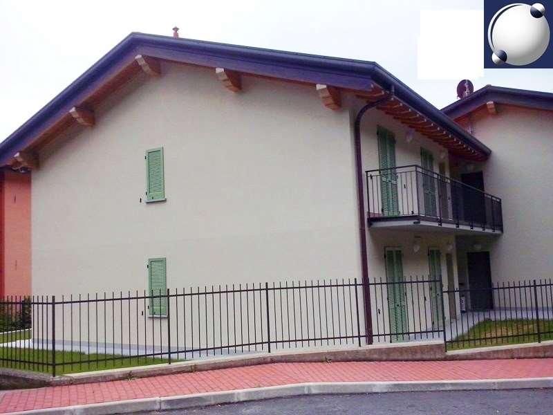 Vendita Trilocale Appartamento Asso 20022