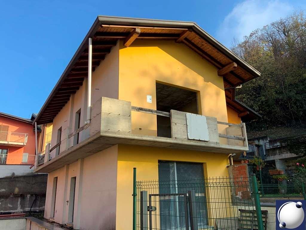 Villa Bifamiliare in vendita a Proserpio, 4 locali, Trattative riservate   PortaleAgenzieImmobiliari.it
