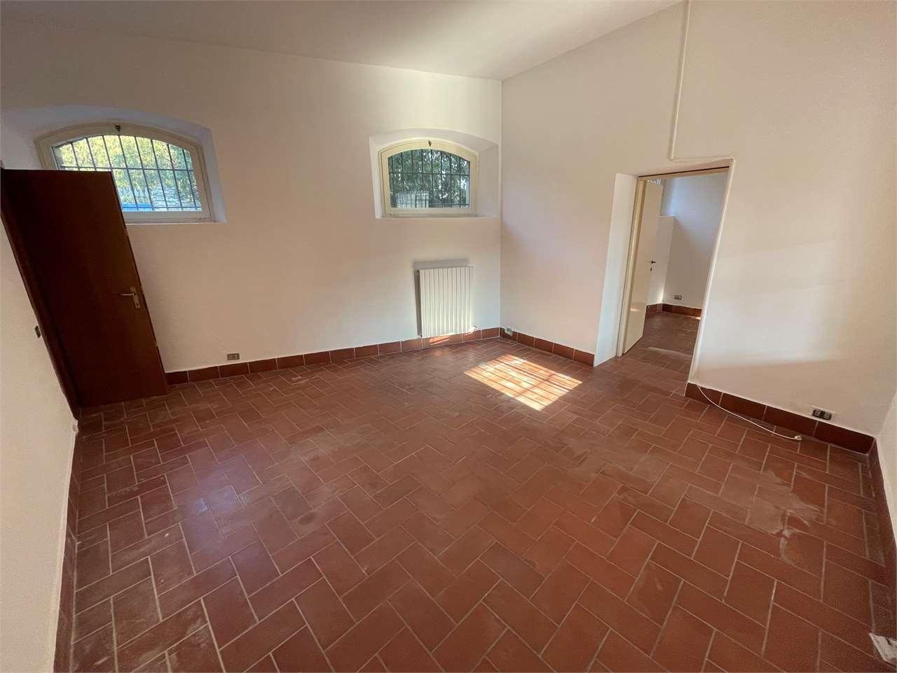 Ufficio / Studio in affitto a Collebeato, 2 locali, prezzo € 400 | CambioCasa.it