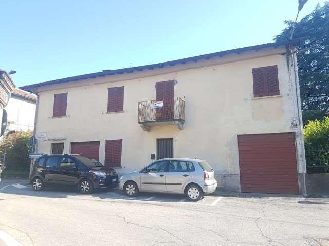 Vendita Quadrilocale Appartamento Leggiuno via San Primo 50 150254