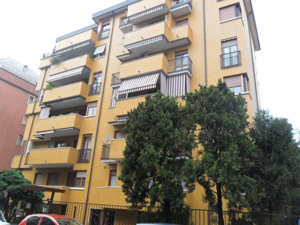 Ufficio / Studio in affitto a Busto Arsizio, 2 locali, zona Zona: Frati, prezzo € 350 | CambioCasa.it