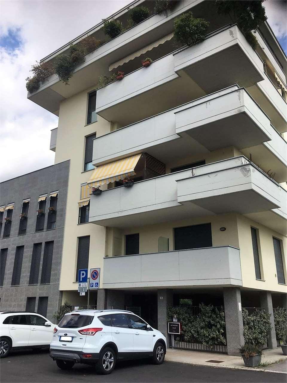 Box / Garage in vendita a Gallarate, 9999 locali, prezzo € 18.000 | CambioCasa.it