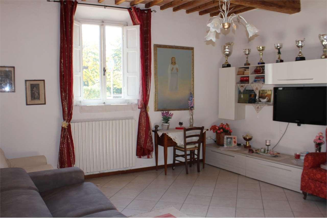 Appartamento in vendita a Buti, 3 locali, prezzo € 85.000 | CambioCasa.it
