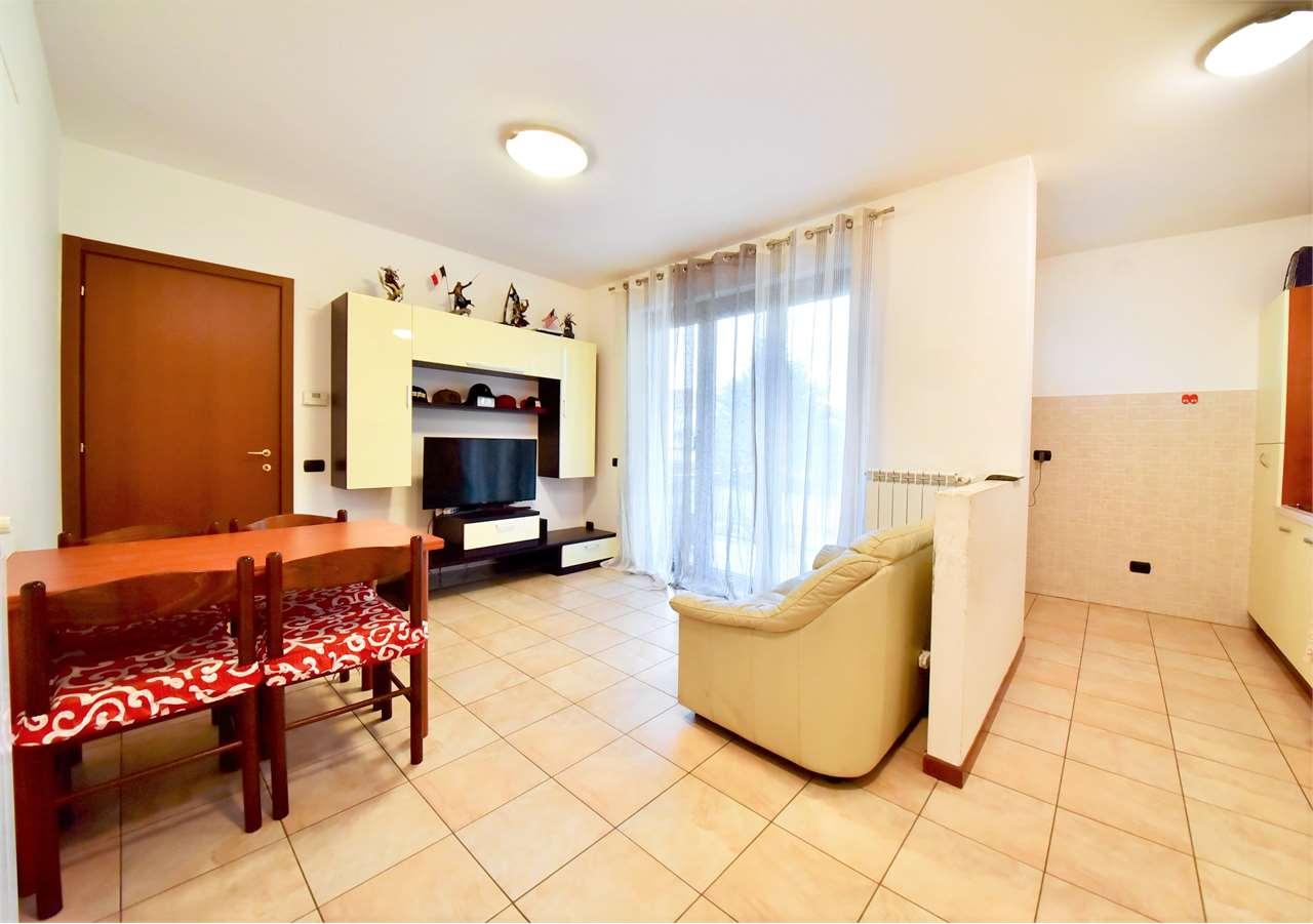 Vendita Bilocale Appartamento Cislago Via C.Battisti 733 295135
