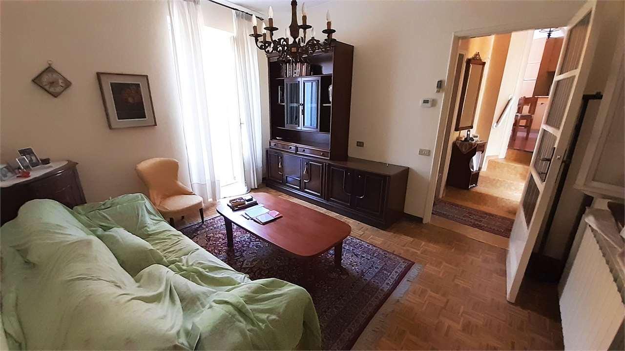 Vendita Bilocale Appartamento Cislago via Umberto I° 25 227337