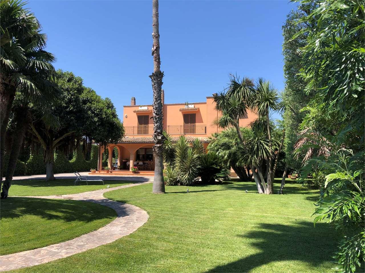 Villa suggestiva giardino stupendo campo da tennis