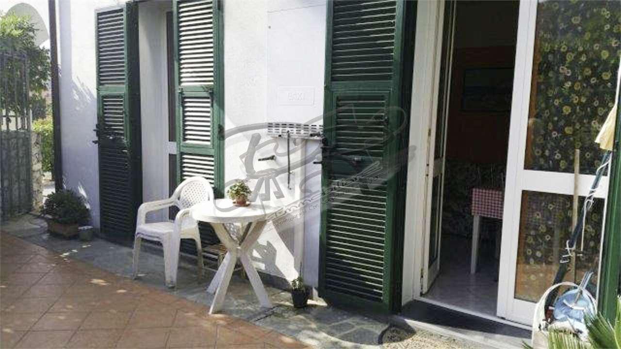 Appartamento in vendita a Orco Feglino, 2 locali, zona Zona: Feglino, prezzo € 160.000 | CambioCasa.it