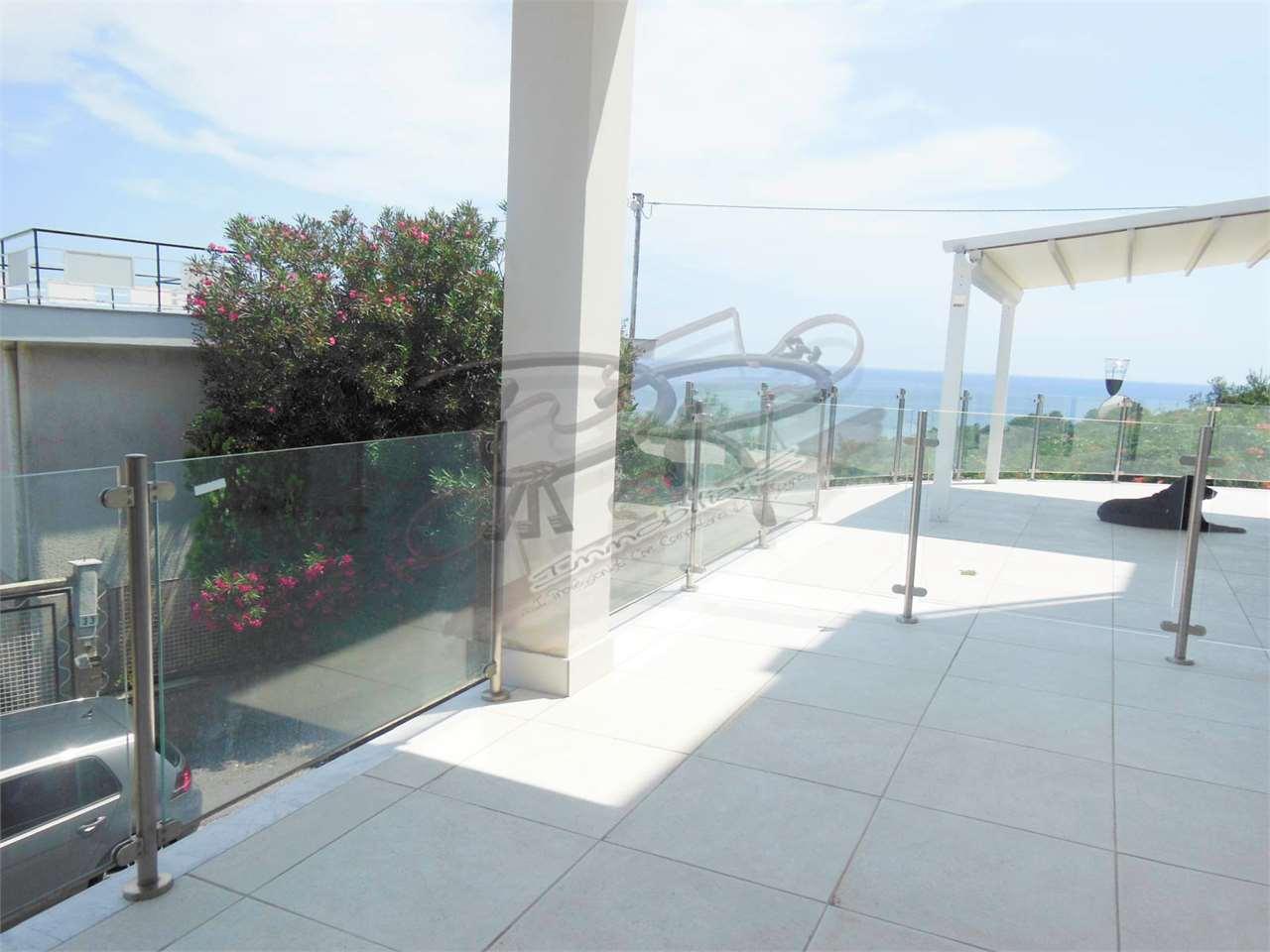 Appartamento in vendita a Albenga, 3 locali, zona Località: vadino, prezzo € 230.000 | PortaleAgenzieImmobiliari.it