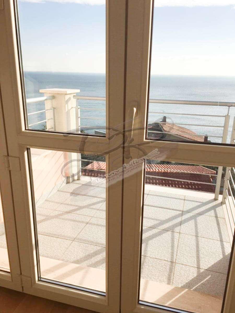 Appartamento in vendita a Bergeggi, 4 locali, prezzo € 520.000 | CambioCasa.it