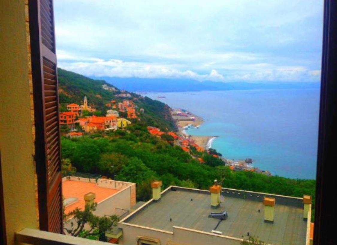 Appartamento in vendita a Bergeggi, 4 locali, prezzo € 590.000 | CambioCasa.it