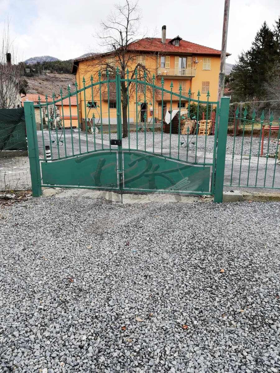 Appartamento in vendita a Bardineto, 7 locali, prezzo € 250.000 | CambioCasa.it