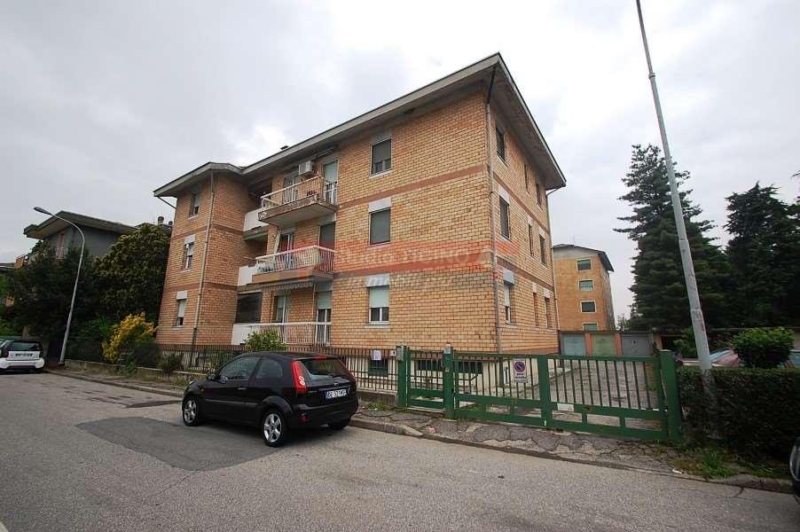 Appartamento in vendita a Turbigo, 3 locali, prezzo € 69.000 | CambioCasa.it