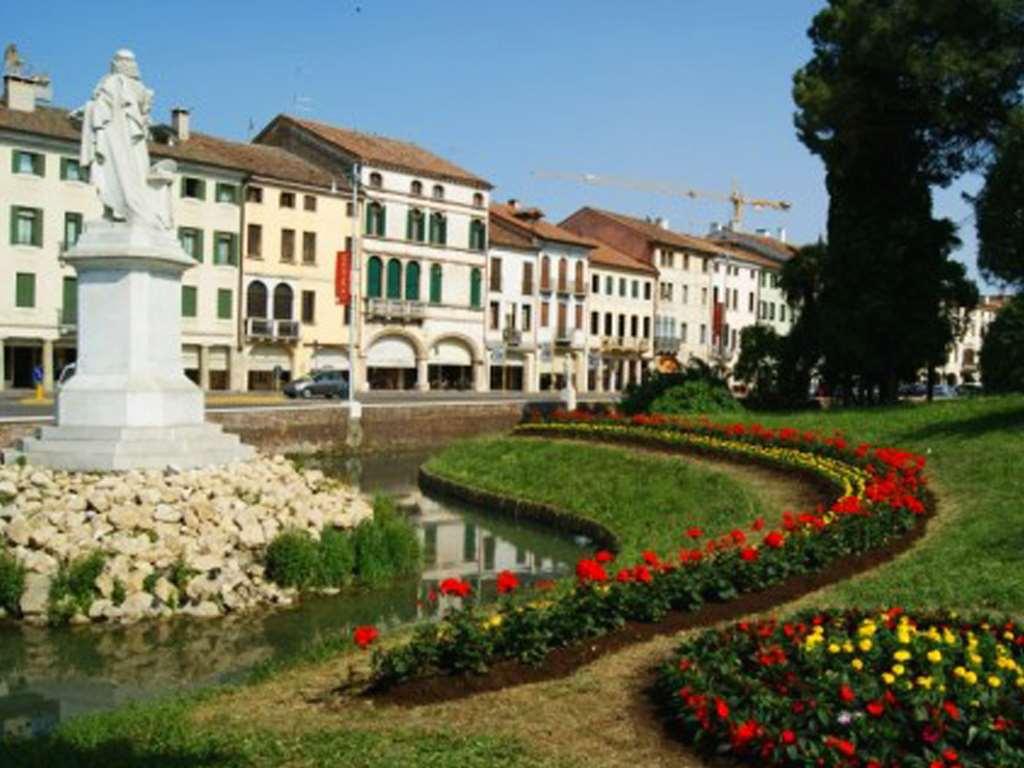Villa a schiera Castelfranco Veneto 1478