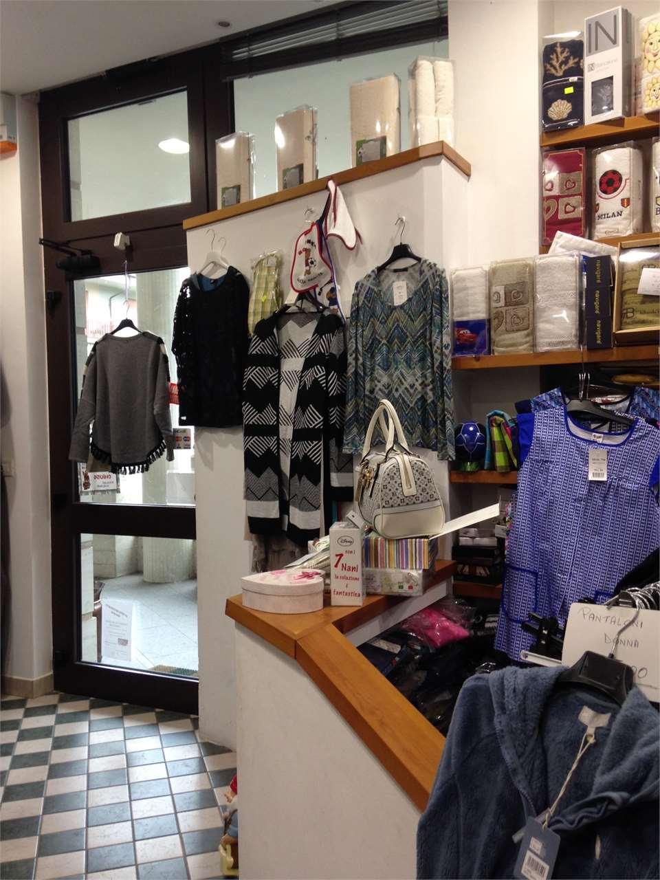 Abbigliamento Negozio in vendita - 50 mq