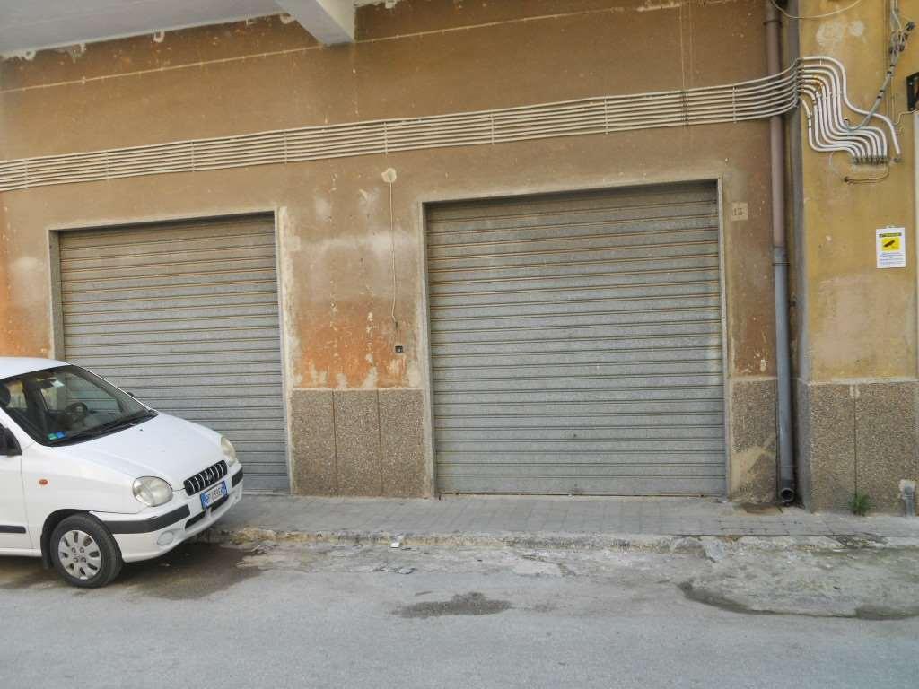 Magazzino in affitto a Siracusa, 3 locali, zona Località: ZECCHINO, prezzo € 600 | CambioCasa.it