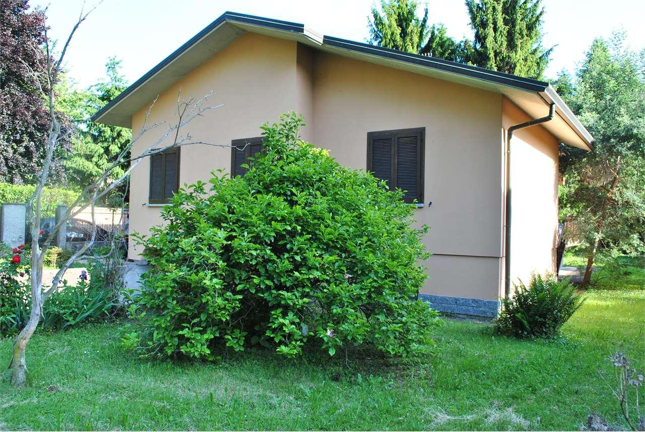 Villa in vendita a Cuveglio, 5 locali, zona obbio, prezzo € 290.000 | PortaleAgenzieImmobiliari.it