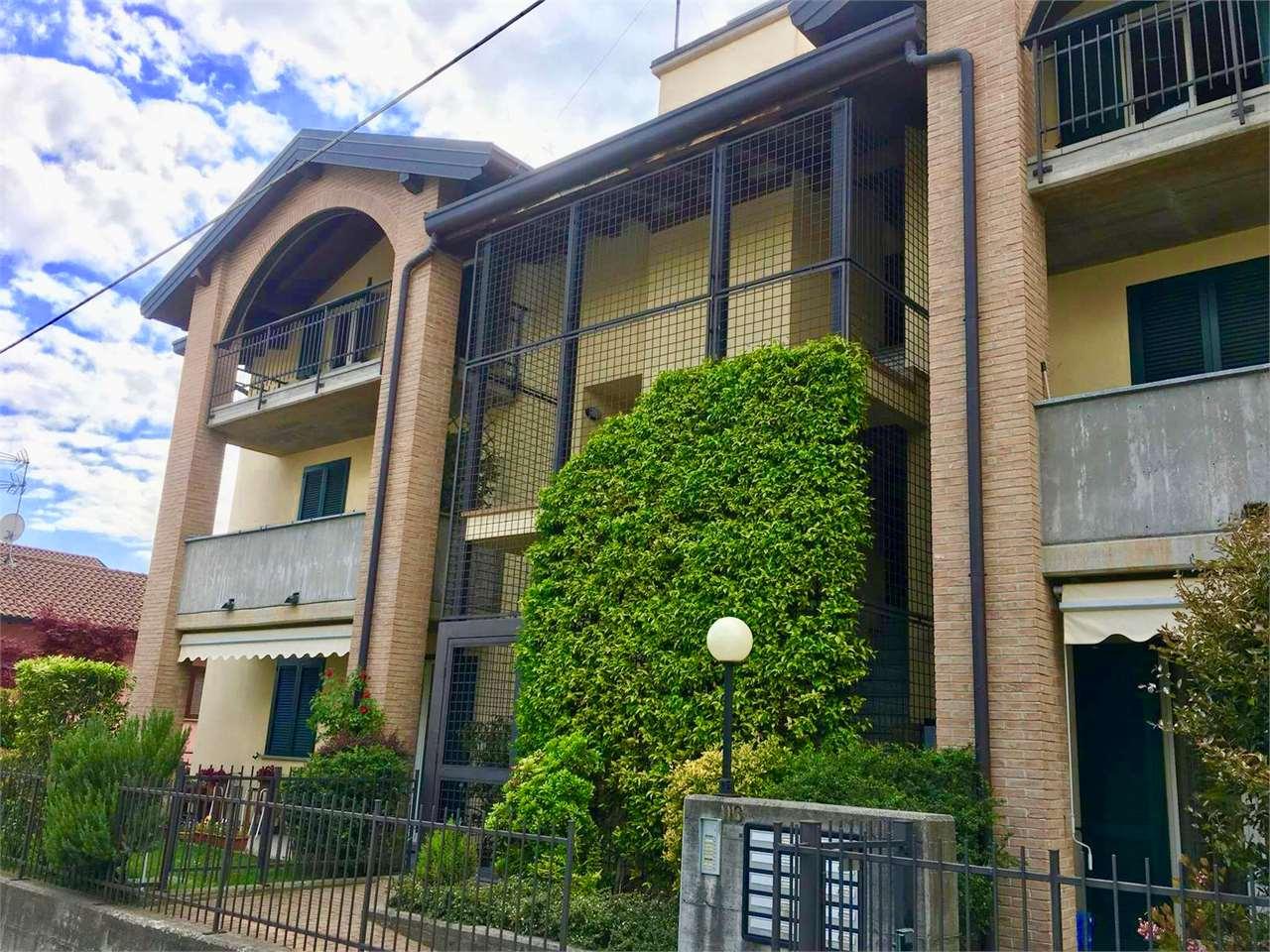 Appartamento in vendita a Sesto Calende, 3 locali, prezzo € 195.000 | CambioCasa.it