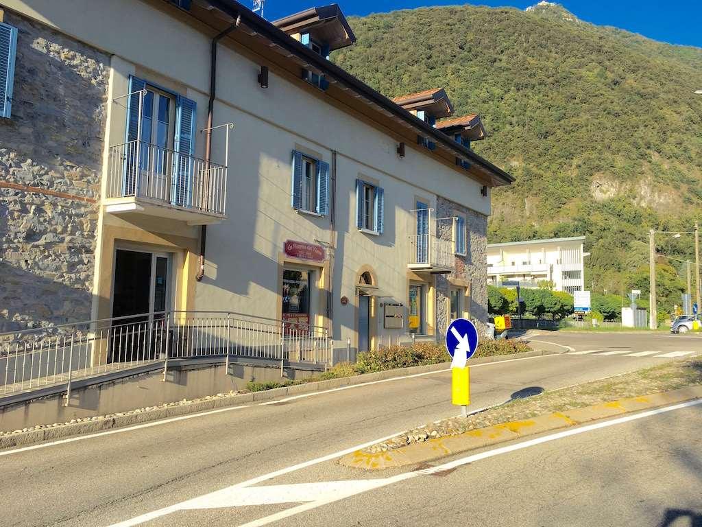 Negozio / Locale in affitto a Laveno-Mombello, 3 locali, prezzo € 1.500 | PortaleAgenzieImmobiliari.it