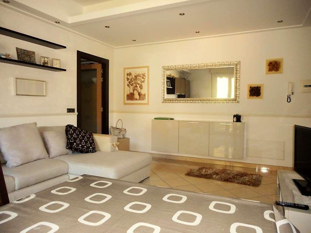 Appartamento in vendita a Casalzuigno, 3 locali, prezzo € 116.000 | CambioCasa.it