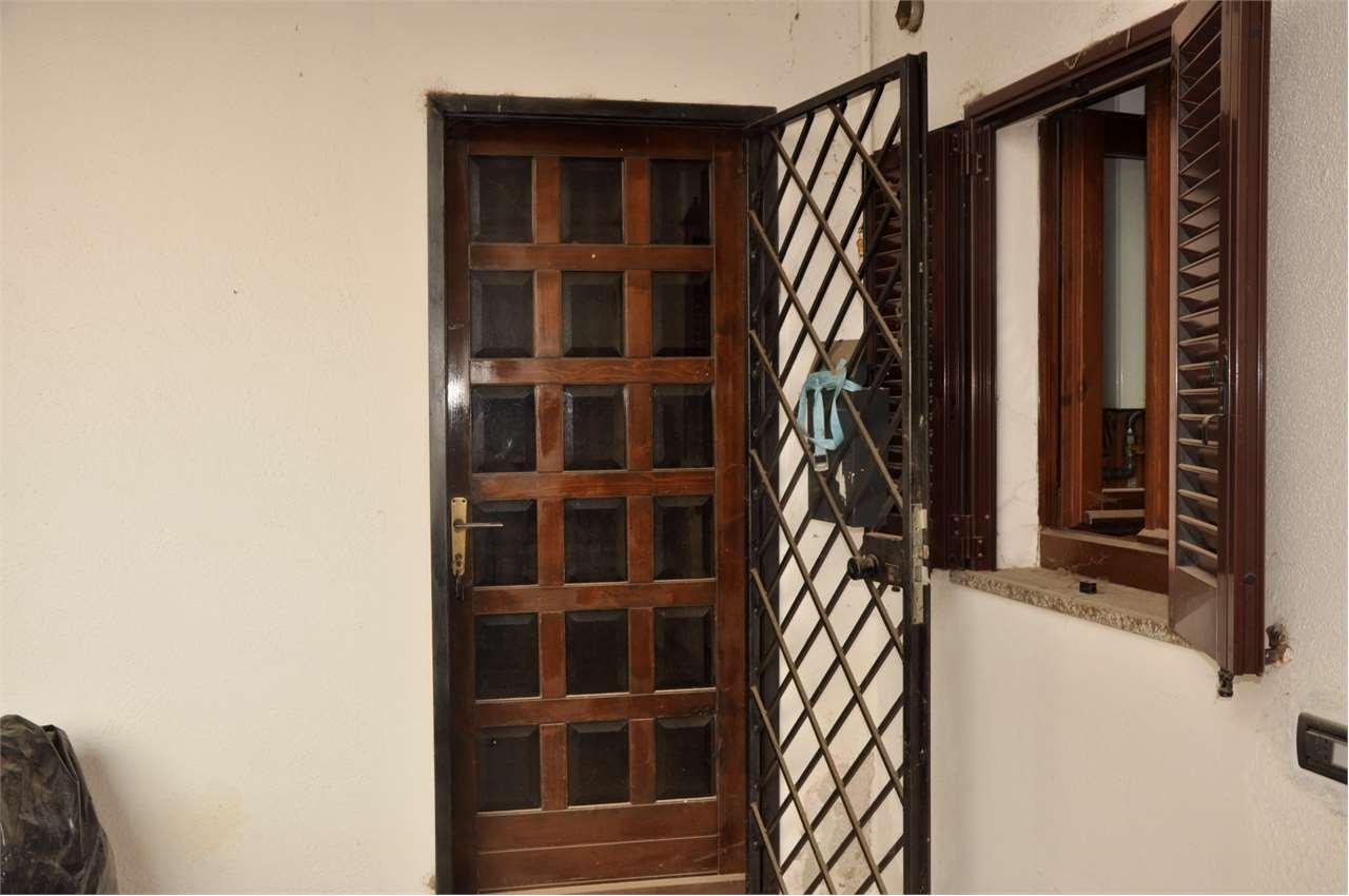 Appartamento in vendita a Gazzada Schianno, 5 locali, prezzo € 70.000 | PortaleAgenzieImmobiliari.it