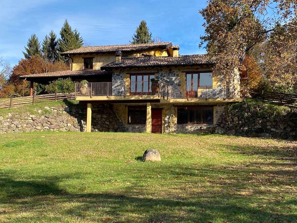 Villa in vendita a Masciago Primo, 7 locali, Trattative riservate   CambioCasa.it