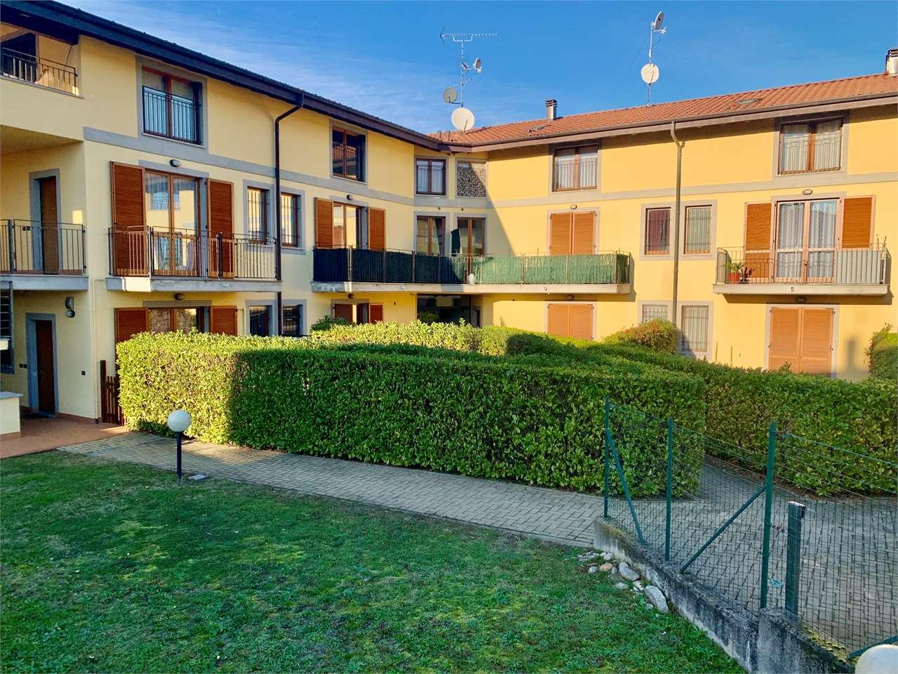 Appartamento in vendita a Vergiate, 3 locali, prezzo € 158.000 | CambioCasa.it