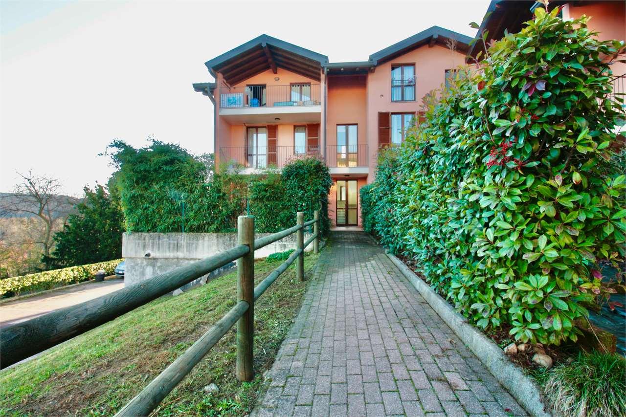 Appartamento in vendita a Varano Borghi, 3 locali, prezzo € 129.000 | PortaleAgenzieImmobiliari.it