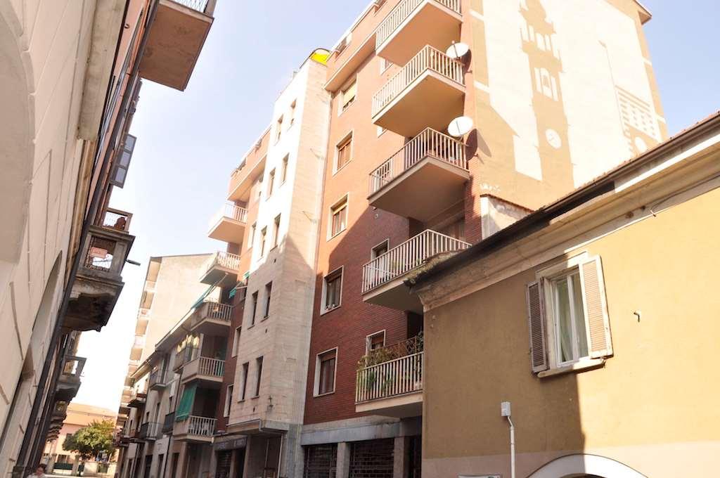 Appartamento in affitto a Varese, 2 locali, zona Zona: Centro, prezzo € 450 | CambioCasa.it