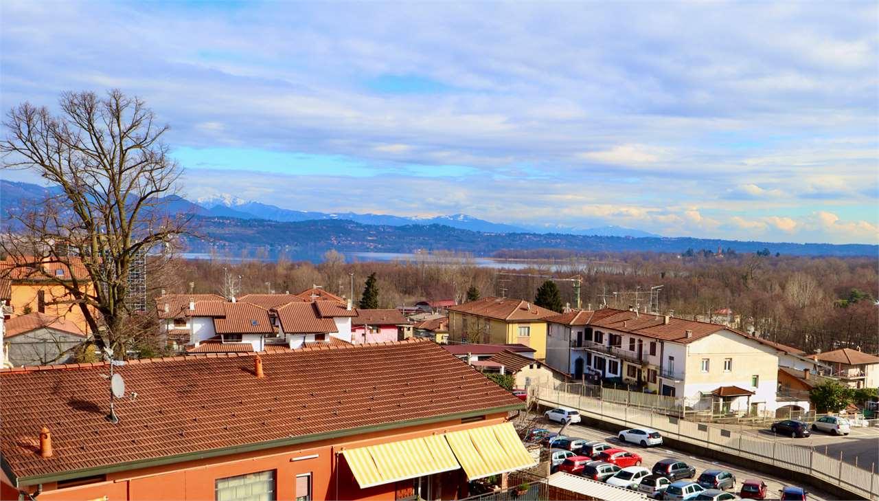 Appartamento in vendita a Biandronno, 3 locali, zona Zona: Cassinetta Rizzone, prezzo € 104.000 | CambioCasa.it