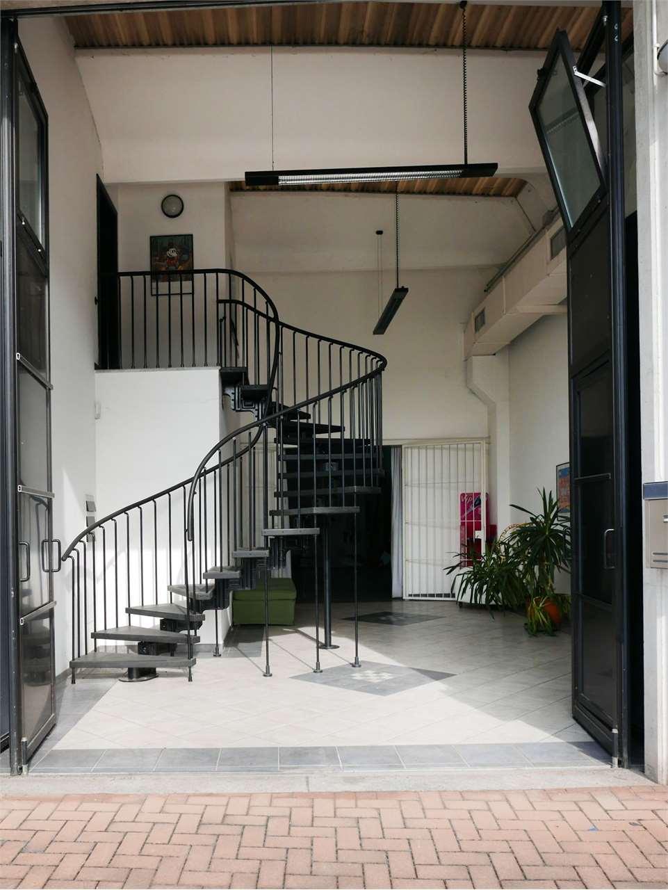 Vendita Laboratorio Commerciale/Industriale Cocquio-Trevisago via appenini 10 227558