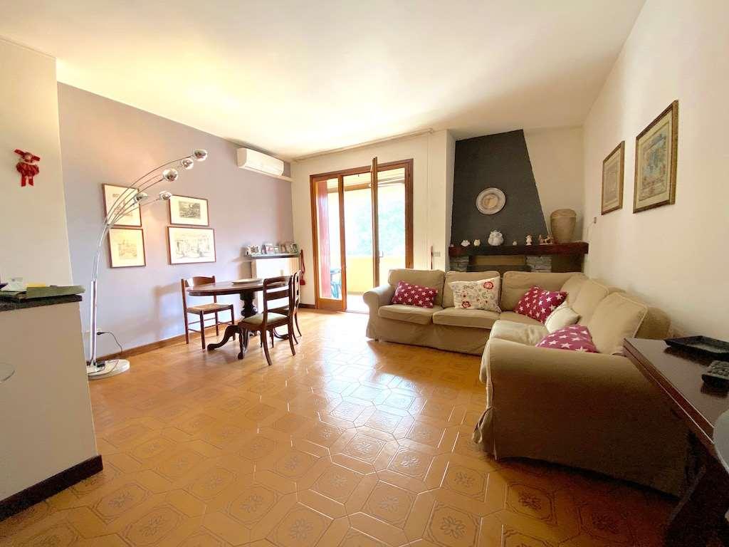 Appartamento in vendita a Laveno-Mombello, 4 locali, zona ello, prezzo € 170.000 | PortaleAgenzieImmobiliari.it