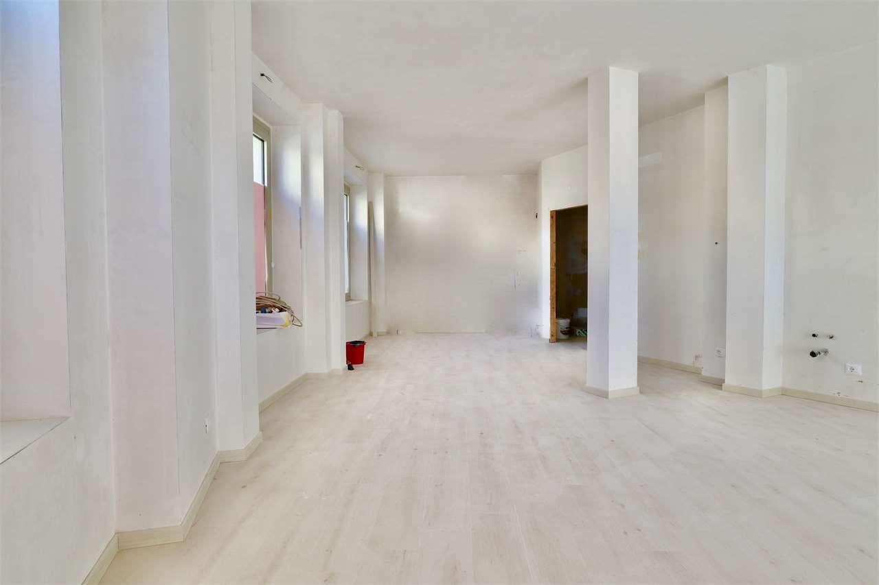 Negozio / Locale in affitto a Vergiate, 1 locali, prezzo € 900 | PortaleAgenzieImmobiliari.it