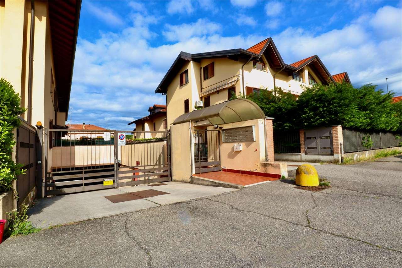 Appartamento in vendita a Cardano al Campo, 2 locali, prezzo € 120.000 | CambioCasa.it