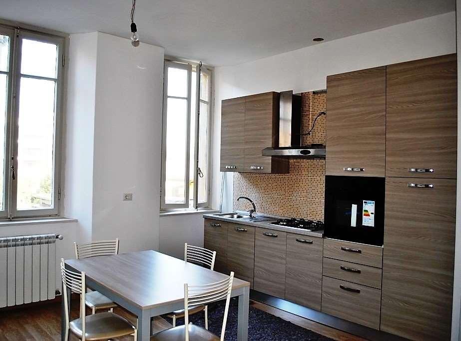 Appartamento in affitto a Varese, 2 locali, zona Zona: Bosto/Europa, prezzo € 500 | CambioCasa.it