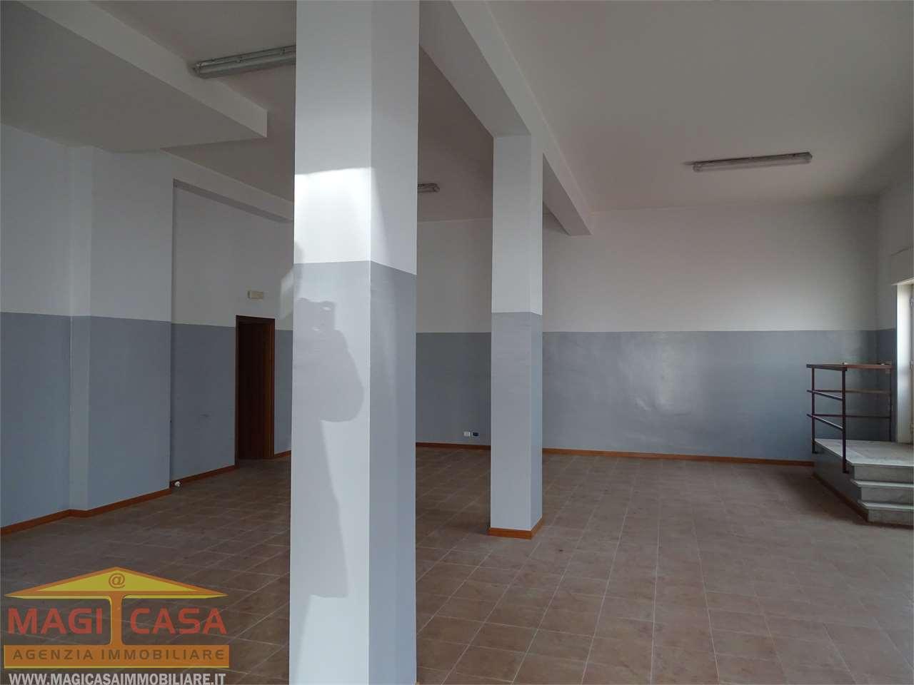 Negozio Camporotondo Etneo 1011