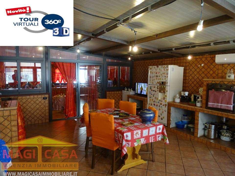 Appartamento in vendita a Camporotondo Etneo, 3 locali, prezzo € 135.000   CambioCasa.it