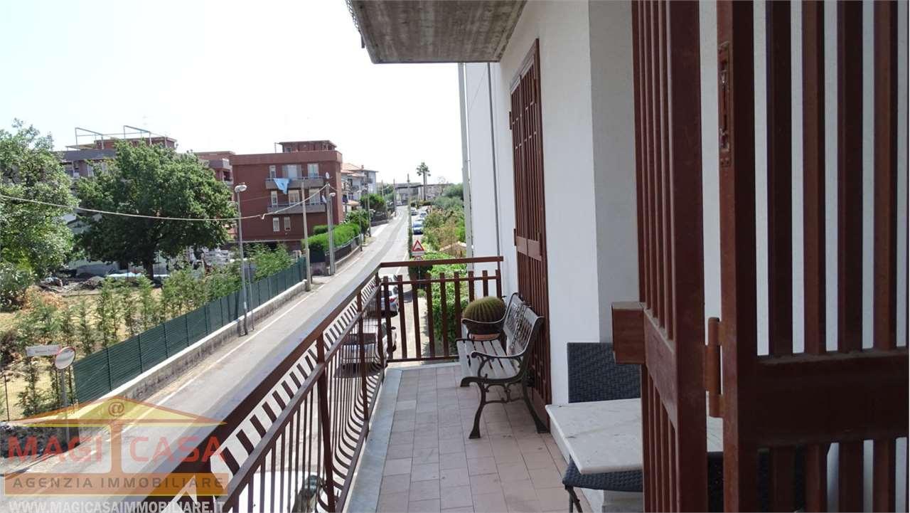 Appartamento in vendita a Camporotondo Etneo, 3 locali, prezzo € 130.000   CambioCasa.it
