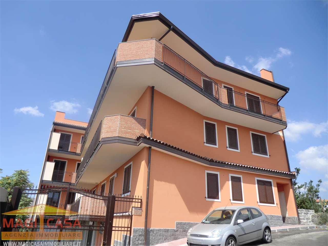 Appartamento in Vendita Camporotondo Etneo