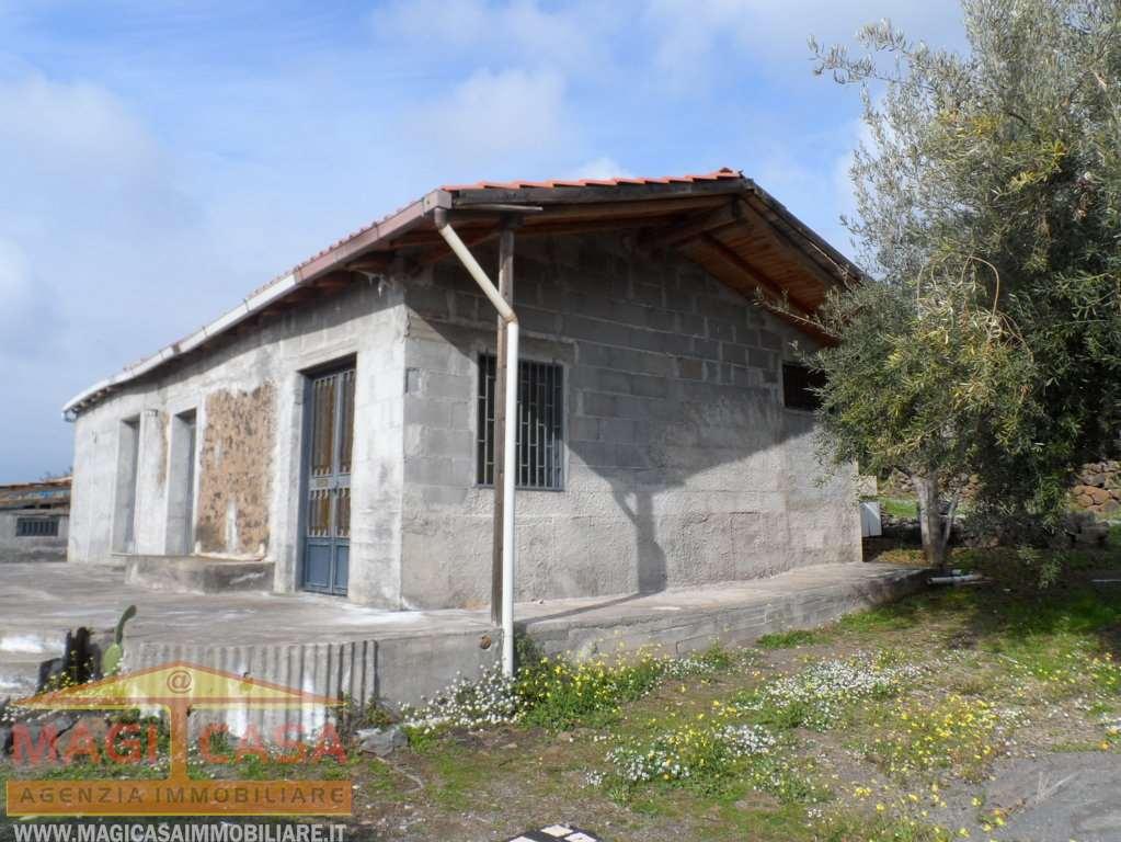 Villa singola Ragalna 490