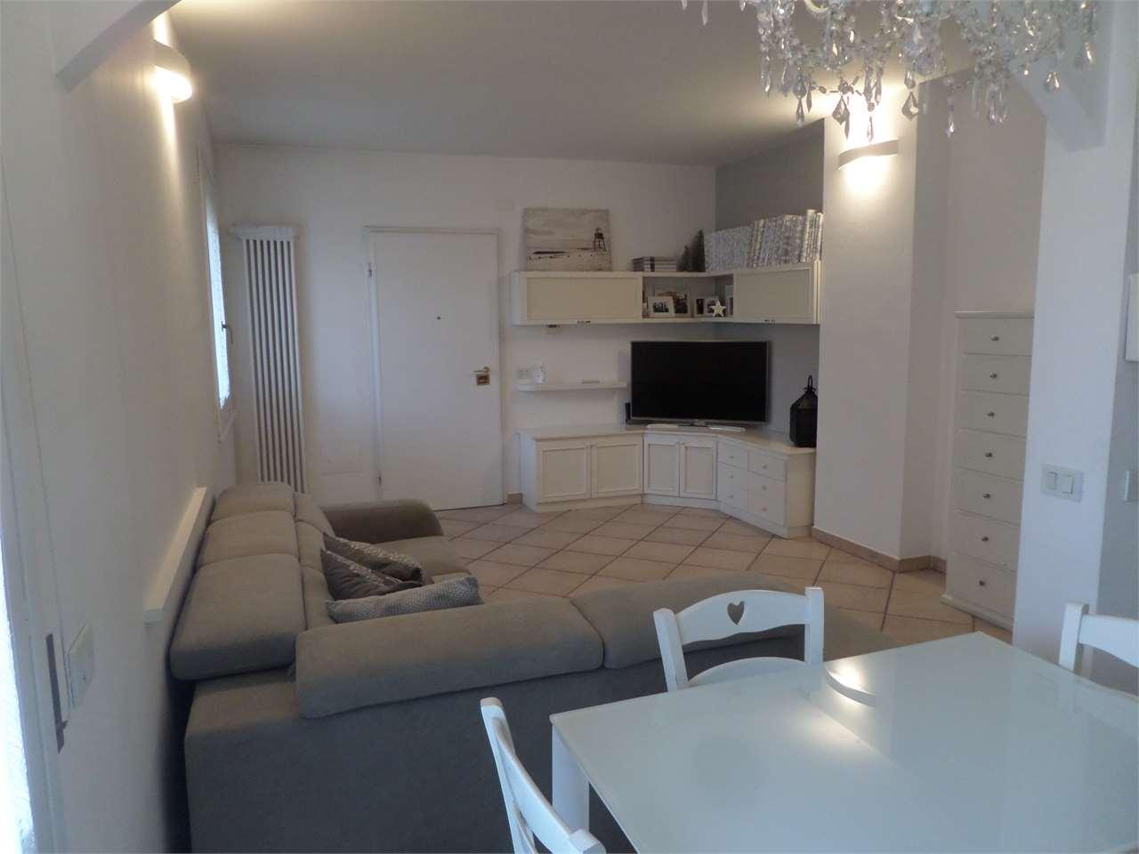 Appartamento in vendita a Ravenna, 4 locali, zona Zona: Fornace Zarattini, prezzo € 185.000 | CambioCasa.it