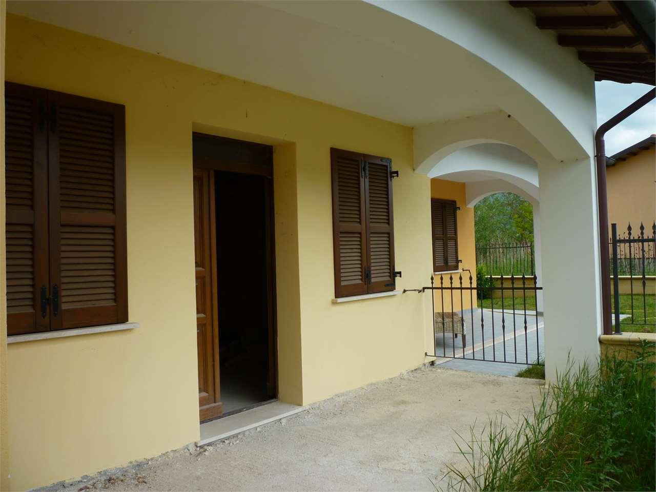 Villa a Schiera in vendita a Nocera Umbra, 6 locali, prezzo € 65.000 | CambioCasa.it