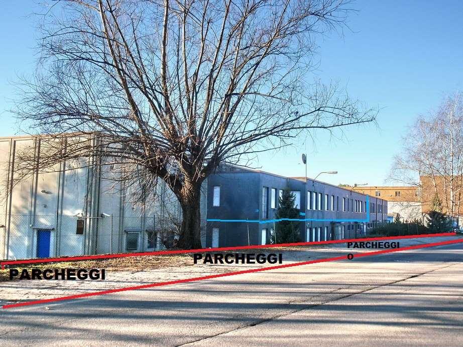 Ufficio / Studio in affitto a Orsenigo, 5 locali, prezzo € 1.000 | CambioCasa.it