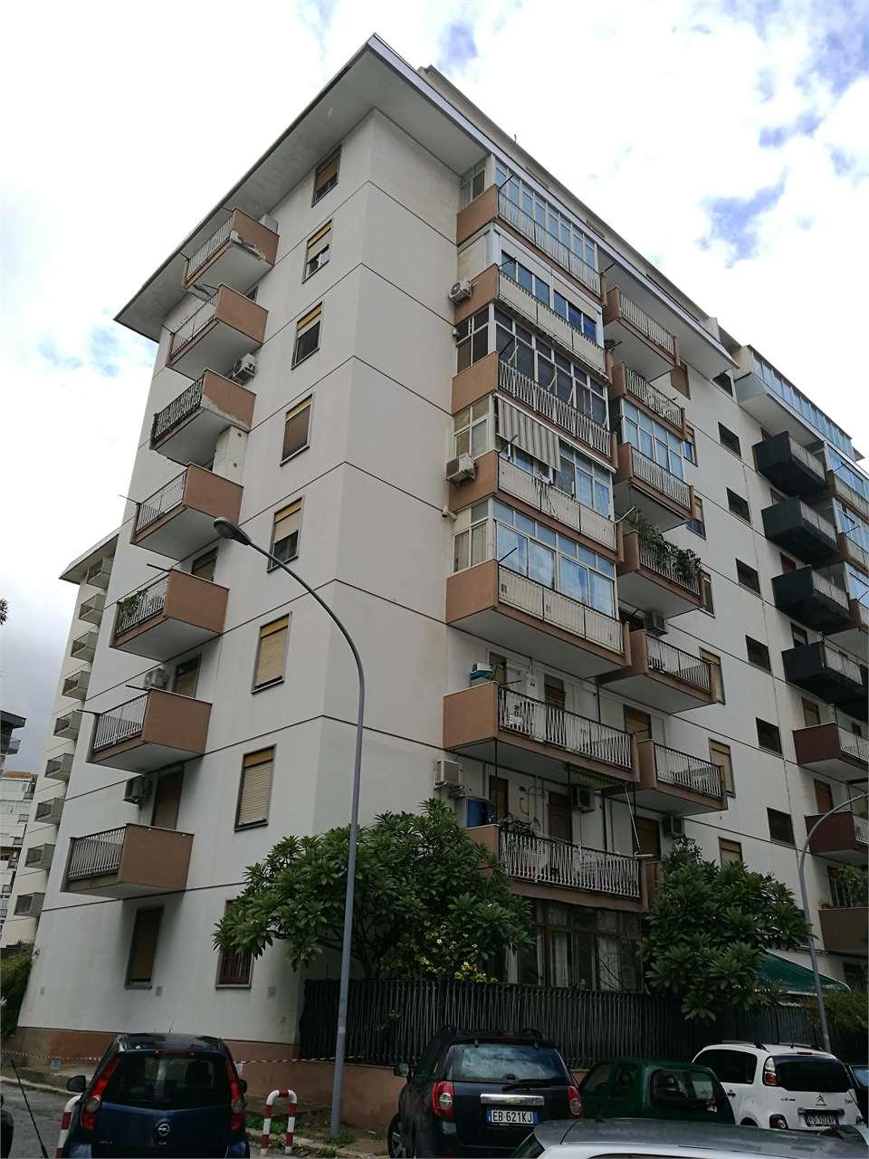 vendita appartamento palermo   220000 euro  4 locali  110 mq
