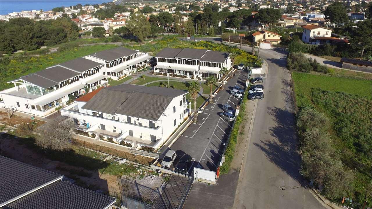 vendita villa a schiera carini   150000 euro  3 locali  100 mq