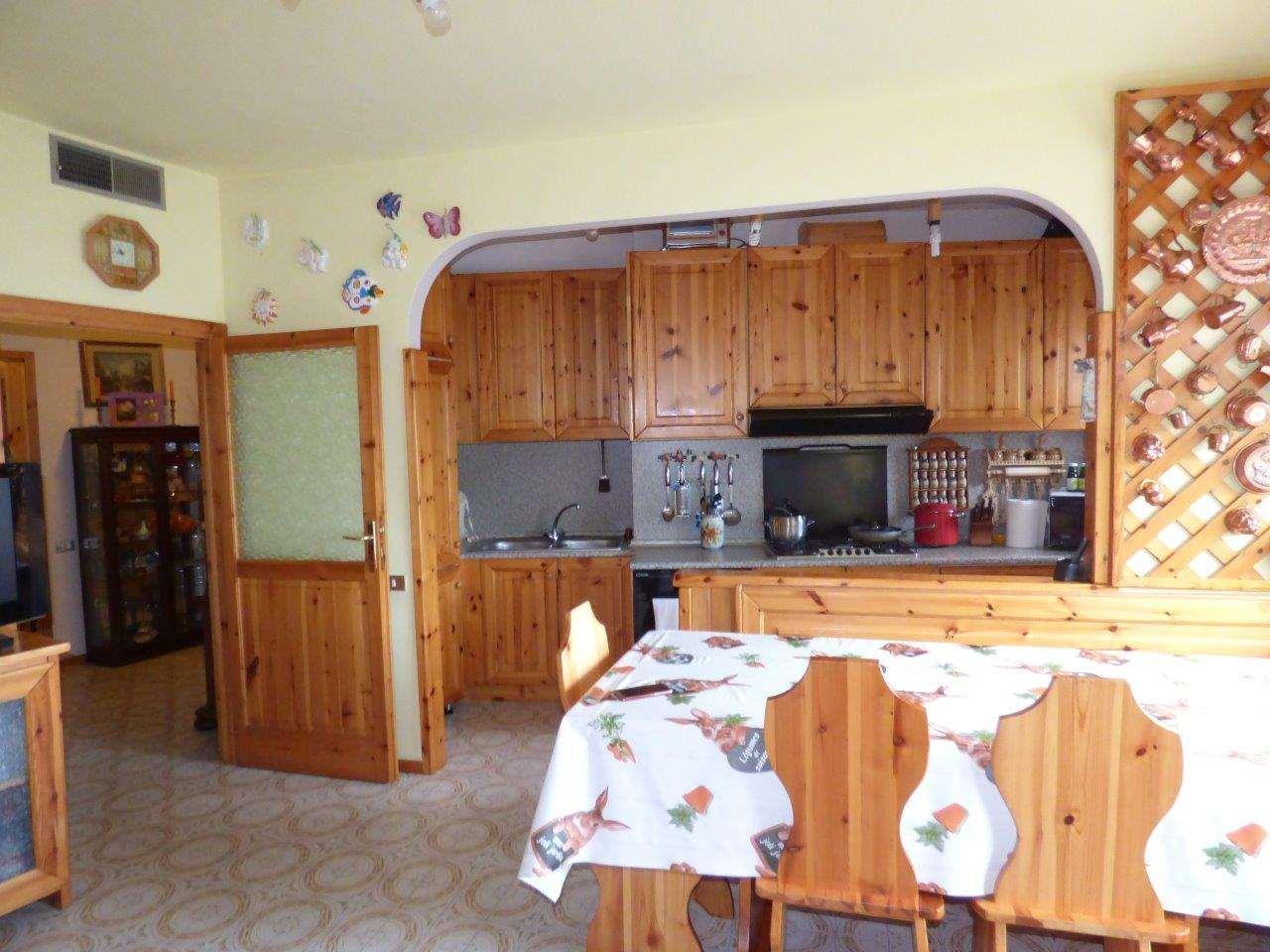 Vendita Trilocale Appartamento Margno piazzale funivia  159504