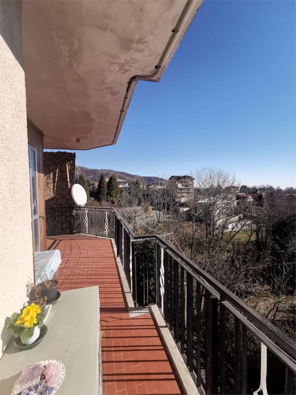 Appartamento in vendita a Corio, 3 locali, prezzo € 39.000   CambioCasa.it