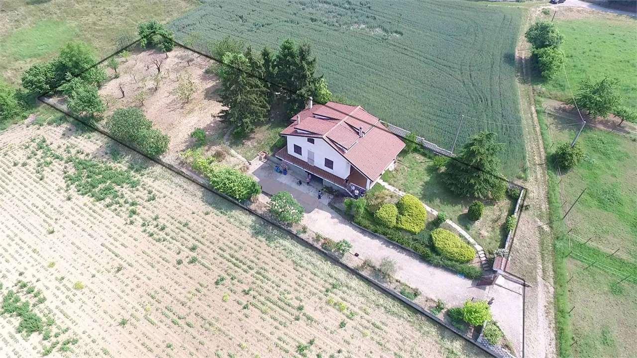 Villa in vendita a Castelletto Merli, 7 locali, prezzo € 199.000 | CambioCasa.it