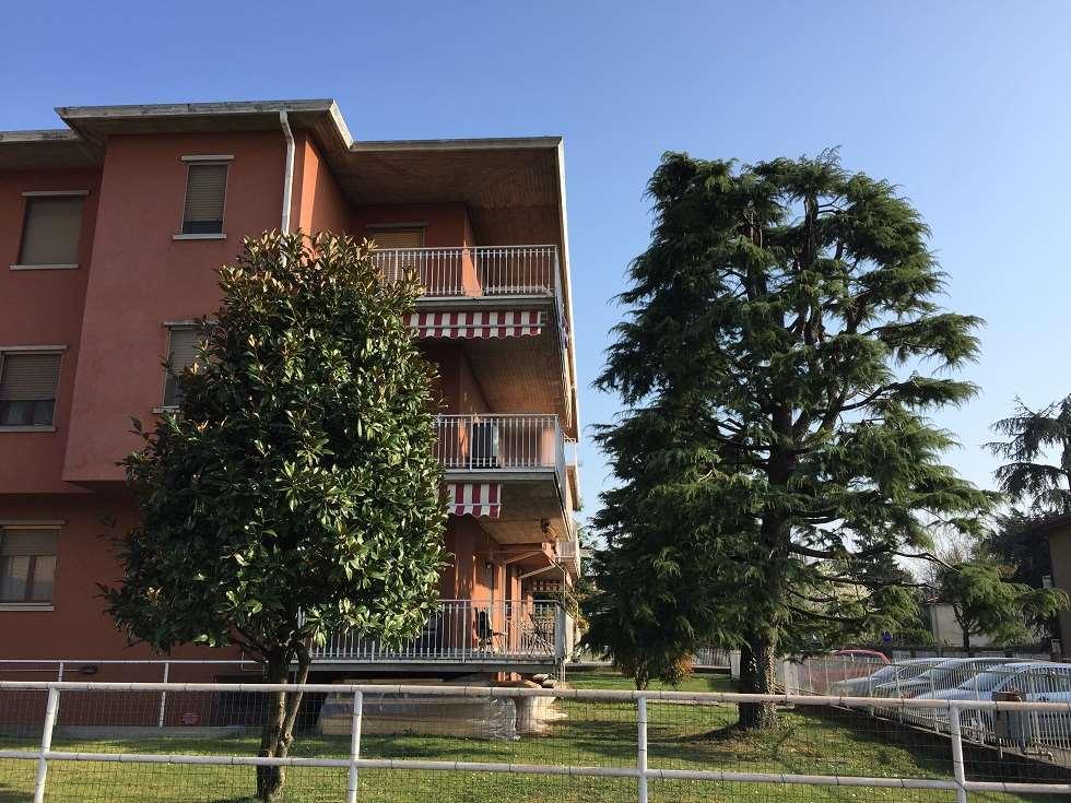 Appartamento in vendita a Urgnano, 3 locali, prezzo € 70.000 | CambioCasa.it