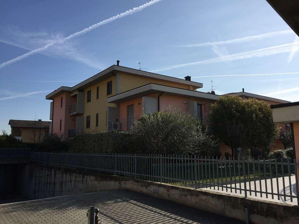 Appartamento in vendita a Ghisalba, 4 locali, prezzo € 135.000 | CambioCasa.it